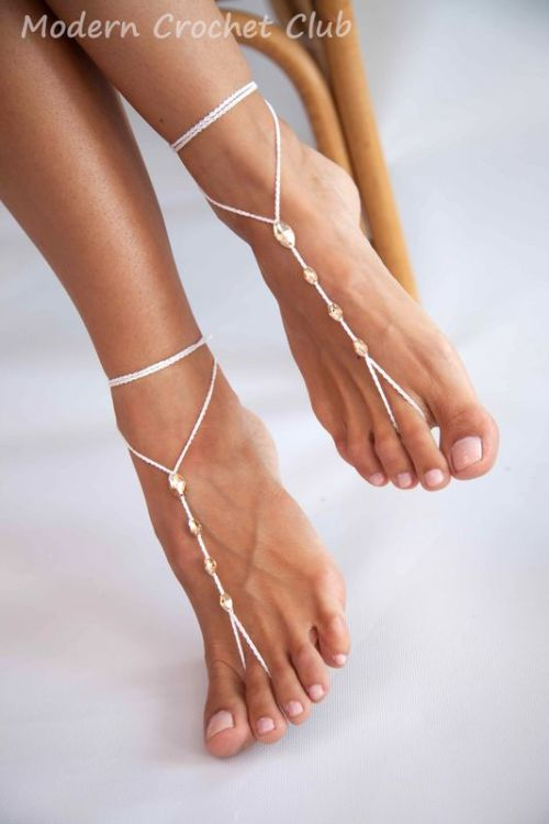 Simple Swarovski Barefoot Sandals in gold